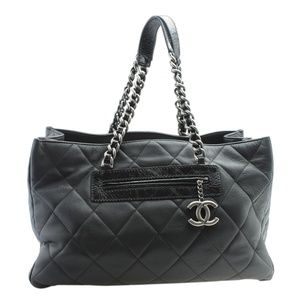 Chanel XL Quilted Black Caviar Quilted Tote 179692